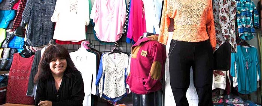 Oportunidades comerciales para vendedores informales que salieron del espacio público