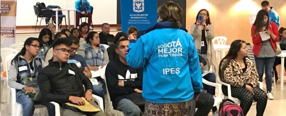 La Alcaldía de Bogotá ofrece vacantes de empleo a vendedores informales