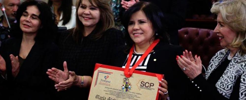 Gladys Valero, directora del IPES, condecorada en elDía Internacional de la Mujer