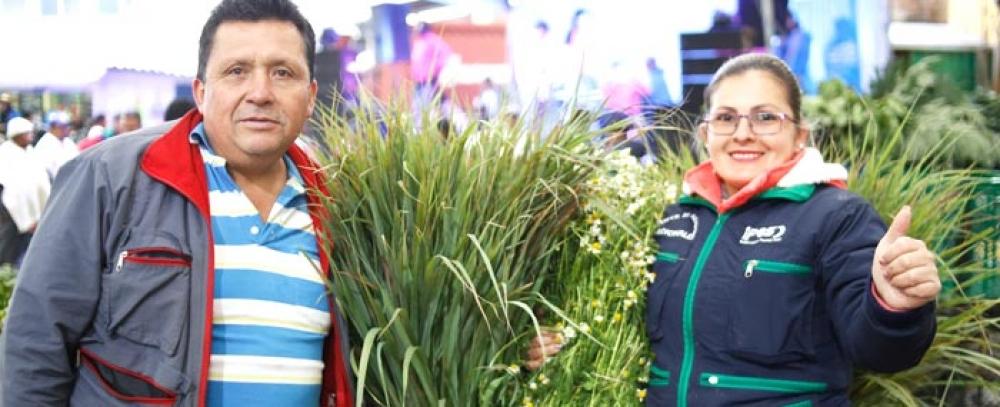 La plaza Samper Mendoza ofrece variedad de hierbas e inciensos para eliminar las malas energías en Semana Santa