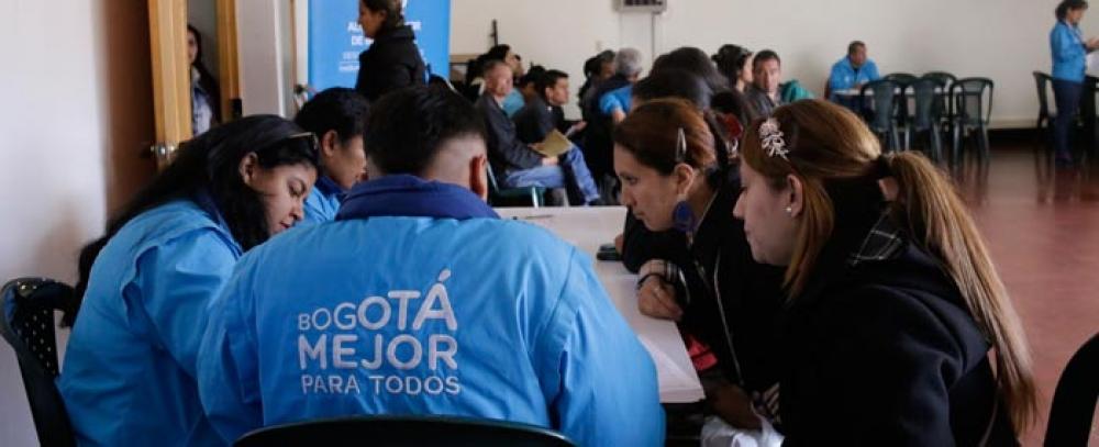 La Alcaldía de Bogotá oferta puestos de trabajo a vendedores informales de Mártires