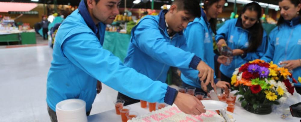 La Plaza Distrital 12 de Octubre celebra su aniversario No. 72