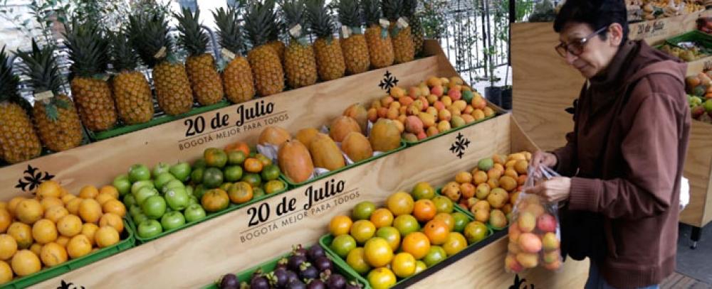 Mercado Campesino de la Plaza de Bolívar reúne a 600 productores de la Región Central
